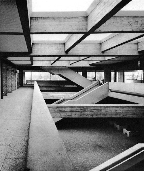 geometry of this architecture - Ketteler College, Mainz, Germany, 1961-66    (Hans-Joachim Lenz)