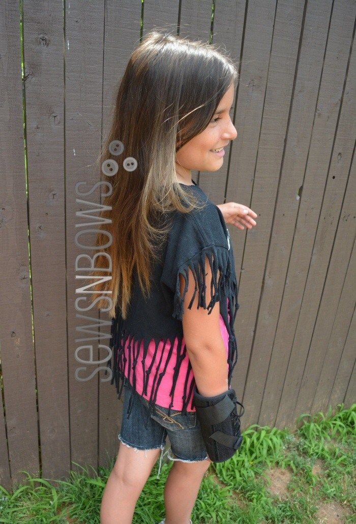 Summer Craft Ideas: DIY Fringe T-shirt Refashion for Tweens