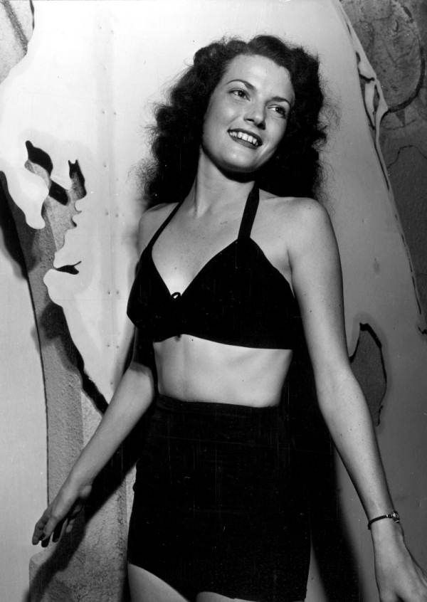 Persistent URL: www.floridamemory.com/items/show/66823  Local call number: C006356  Title: Jean Duket, Miss Tampa, modeling a two-piece bathing suit  Date: May 23, 1947  Physical descrip: 1 photoprint - b&w - 5 x 4 in.  Series Title: Department  of Commerce Collection  Repository:  State  Library and Archives of Florida, 500 S. Bronough St., Tallahassee, FL  32399-0250 USA. Contact: 850.245.6700. Archives@dos.myflorida.com