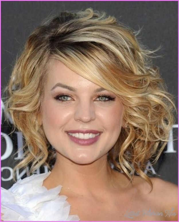 Curly Layered Haircuts Round Face Curly Hair Styles Naturally Medium Curly Hair Styles Haircuts For Curly Hair