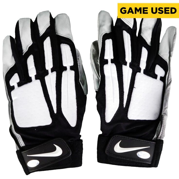Allen Barbe Philadelphia Eagles Fanatics Authentic Game-Used Black, Gray, and White Nike Pair of Gloves vs Tampa Bay Buccaneers on November 22, 2015 - $85.49