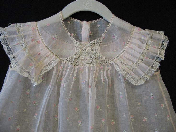 Vintage Little Girl's floral embroidered pink organdy dress Lace trim Sz 3 - 4 Image #2