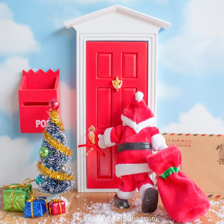 Learn how to use your Fairy Door at Christmas to enchant your little ones. Be inspired by the most magical alternative advent calendar you will ever own.