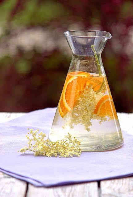 szczypta smaQ: Lemoniada z kwiatów czarnego bzu