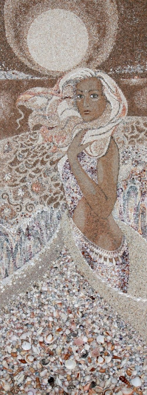 Artist Creates Beautiful Mosaics From Beach Materials - DesignTAXI.com