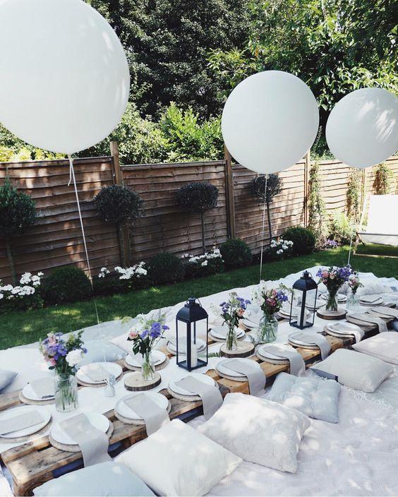 Langer Tisch für Party im Freien | 8 Must-Haves f…
