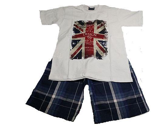 Conjunto masculino England Tamanho: 6 anos Contem: 01 camisa branca estampada com a bandeira da Inglaterra 01 bermuda quadriculada azul