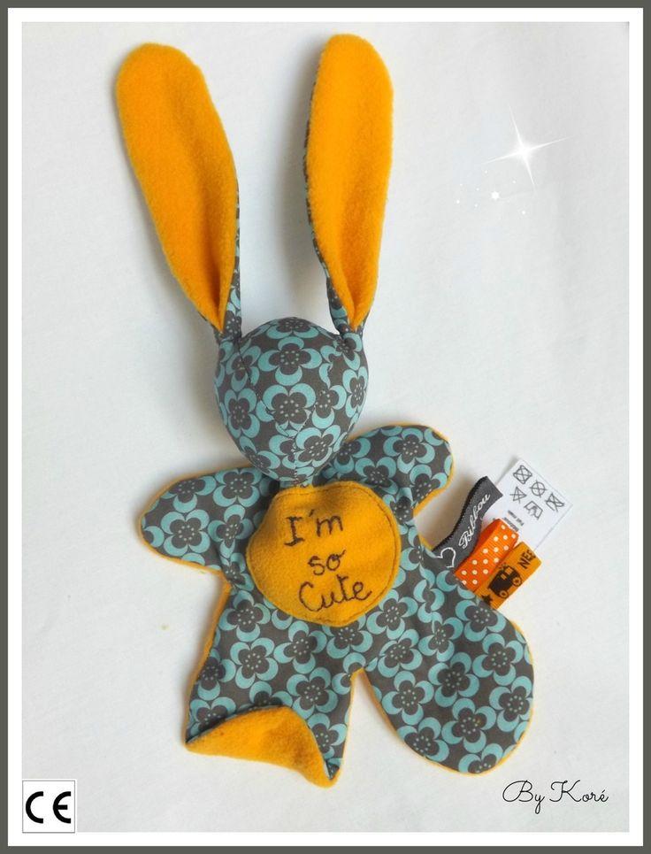 Doudou lapin Moubbi ,°°I'm so cute°° , doux, Original Fait main . Un cadeau de naissance unique : Jeux, peluches, doudous par kore-and-co