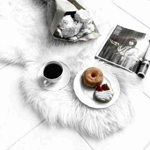 Imagem de coffee, donuts, and white