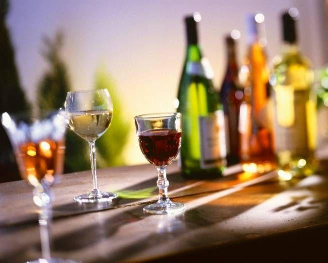 Ποια αλκοολούχα ποτά είναι πιο 'φιλικά' για τη δίαιτα μου;
