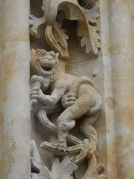 dragón con el helado de 3 bolas de la Catedral de Salamanca