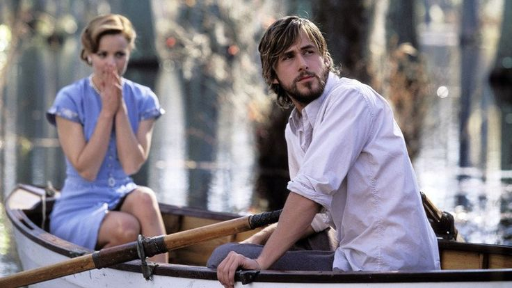 The Notebook 2004 (Jurnalul), film online DVDRip, subtitrat în Română  Un bărânel pe nume Duke (James Garner) începe să citească o poveste de dragoste din jurnalul său unei alte paciente (Gena Rowlands). Povestea pe care o citeşte el începe în 1940. În Seabrook Island, Carolina de Sud, băiatul de la ţară Noah Calhoun (Ryan Gosling) o întâlneşte pe fata de rang înalt în vârstă de 17 ani, Allie Hamilton (Rachel McAdams) la un carnaval şi apoi încep o poveste de dragoste idilică pe timpul…