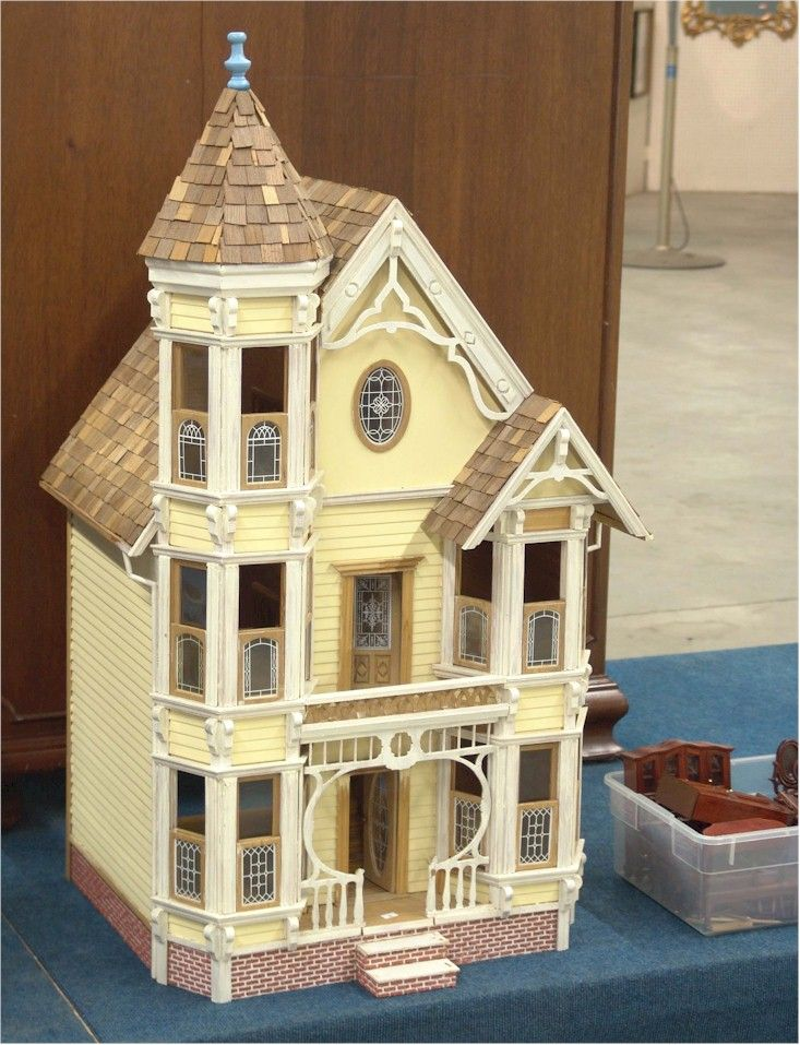 Painted lady mini 39 s pinterest dollhouses victorian for Victorian style kit homes