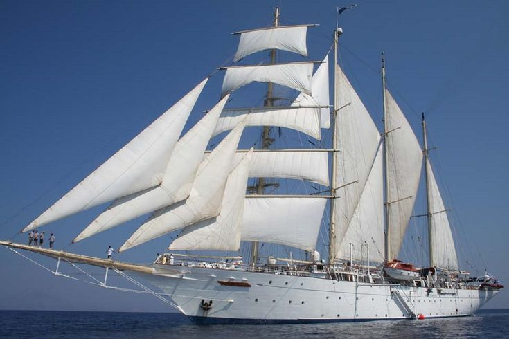 STAR FLYER. Ιδιοκτησία: Star Flyer NV. - Monaco. (Beneficial owner: Star Clippers Holding - Monaco). Διαχείρηση: Star Clippers Cruises. Παρθενικό ταξίδι το 1991. 2.298 GT ~ 111,57 μ.μ. ~ 15,14 μ.πλάτος ~ 4 κατ/τα ~ 17 knots ~ 170 ~ 180 επ. ~ 72 ατ.πλ.