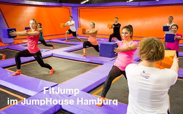 Mein Erlebnis beim FitJUMP Kurs im JumpHouse Hamburg! Das neue Fitness & Sportprogramm: Trampolin springen. Das JumpHouse gibt es in den Städten Hamburg, Berlin, Flensburg, Köln und Leipzig. FitJUMP Kursangebote für Anfänger und Fortgeschrittene wird momentan nur in Hamburg angeboten und ist eine Sporteinheit auf dem …