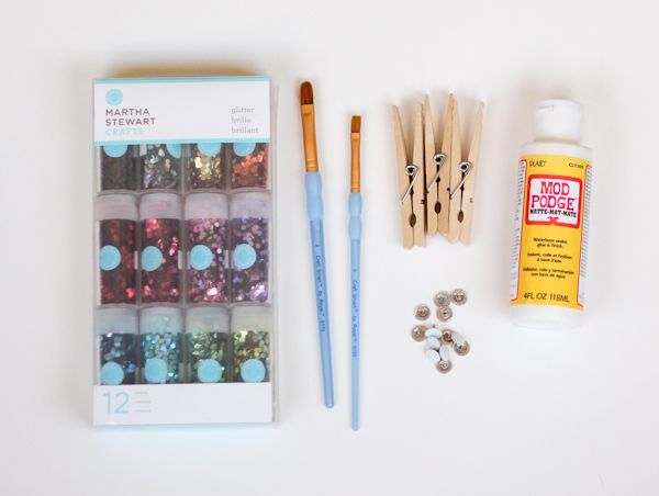 DIY Glittered Clothespins To Hold Your Fancy Photos