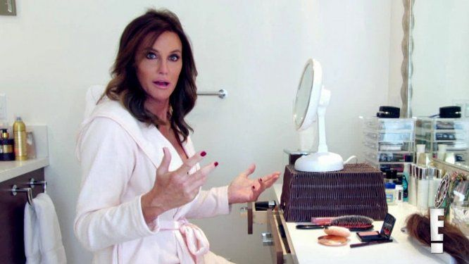 Caitlyn Jenner Got Her Very First Professional Manicure for 'Vanity Fair'