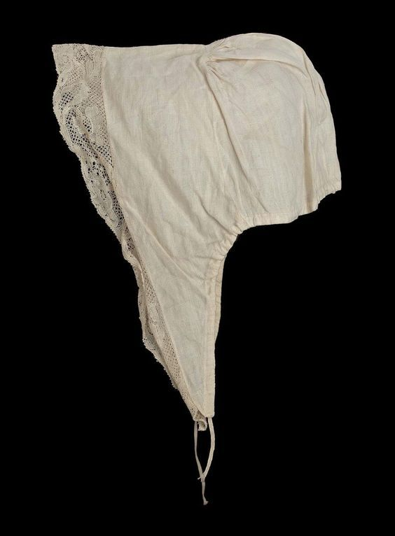 18th century, America - Cap - Linen with linen bobbin lace and linen drawstring
