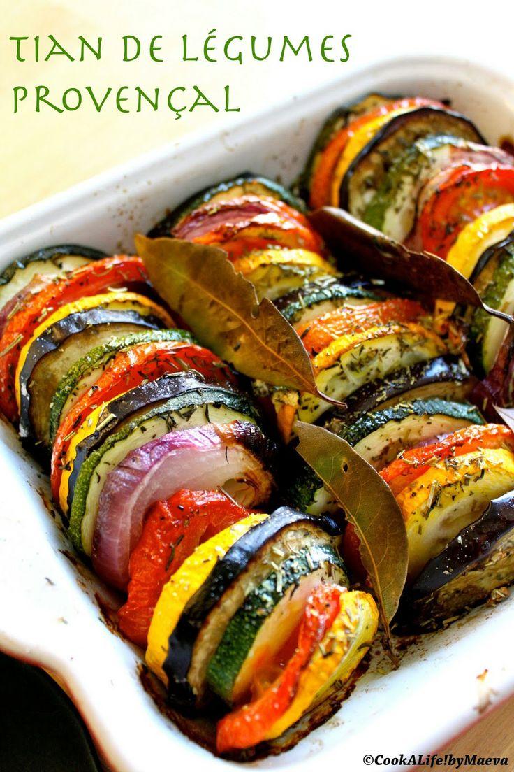 Tian de légumes provançal gorgé de soleil /  Sliced vegetables baked in an earthenware dish from Provence