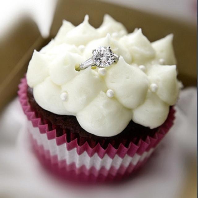 Good idea for wedding proposal! Yes I do!