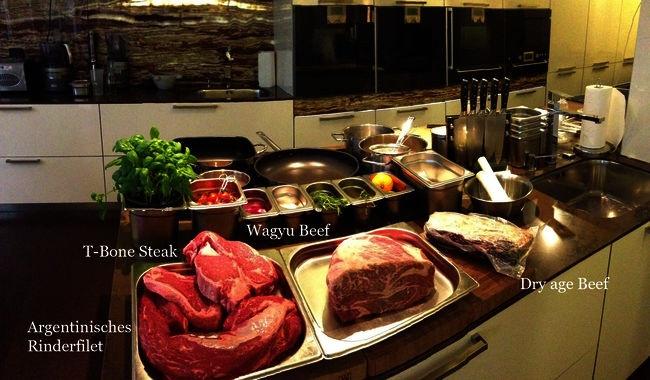 """Beim After Work Kochkurs """"Das perfekte Steak"""" gabs Wagyu-Beef, argentinisches Filet, Dry age Beef & T-Bohne-Steak im Schürers SinnReich.Tv Kochschule - Schürers SinnReich.tv in Backnang ( bei Stuttgart , Waiblingen, Schorndorf, Winnenden, Welzheim, Fellbach)"""