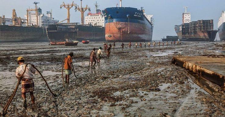 images of a ship'syarr | Chittagong Ship Breaking Yard | Amusing Planet