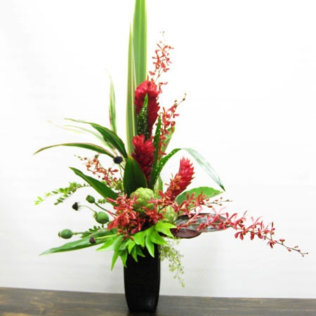 Google Image Result for http://www.aflowergirl.com/images/Products/Ikebana/IMG_2080.jpg