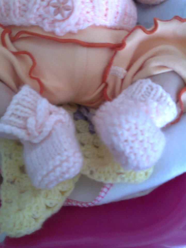 Famous Premature Baby Booties Knitting Pattern Ornament - Easy Scarf ...