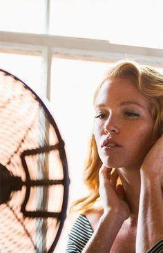Ganz schön heiß! Diese Tipps helfen gegen zu viel Schwitzen: http://www.gofeminin.de/gesundheit/was-hilft-gegen-schwitzen-s1483308.html
