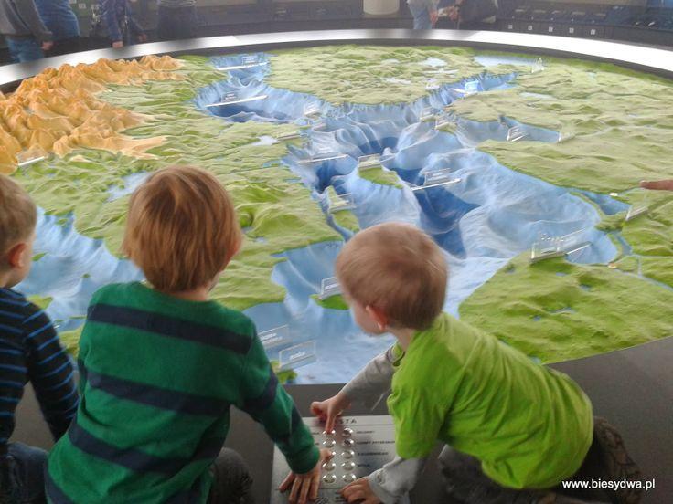 biesy dwa: Oceanarium w Gdyni