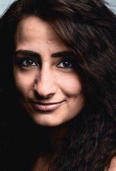 Vor Krieg und Tod in meiner syrischen Heimat rettete ich mich nach Deutschland, ich wurde von der Schriftstellerin zum Flüchtling. Nun beginne ich mein Leben neu und finde meinen Weg in die Gesellschaft dieses wunderschönen Landes. | Die Syrerin Widad Nabi über ihre Flucht und ihr Ankommen in Deutschland - SPIEGEL ONLINE