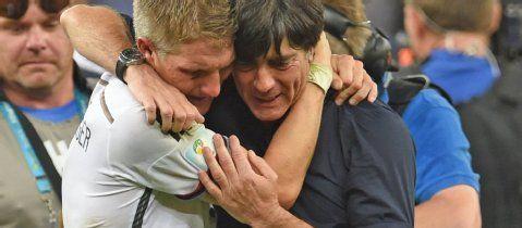 """Internationale Pressestimmen: """"Eine Maschine mit Herz""""   Fußball-WM- Frankfurter Rundschau"""