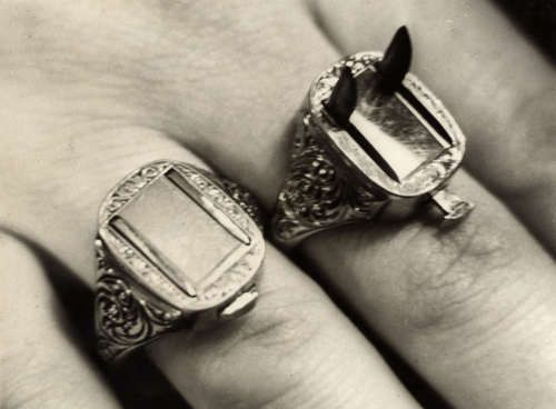 Rings with razor-sharp blades, Criminal Germany, Berlin, 1932. Would absolutely Love to have!!!