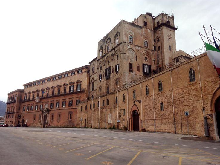 """* Palermo * Ilha da Sicília, Itália.  """"Palazzo dei Normanni""""."""