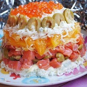 Новогодний салат с форелью и апельсином
