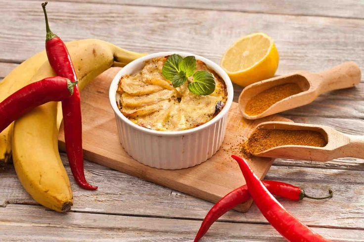 Zapiekanka z bananami i kurczakiem #smacznastrona #przepisytesco #banan #kurczak #zapiekanka #curry #rodzynki #przekąska