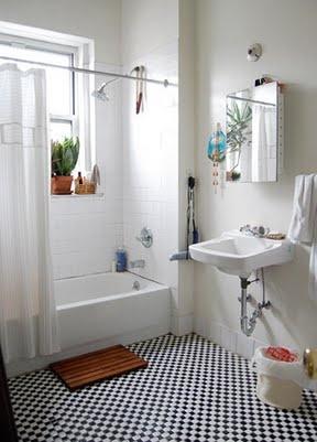 caitlin mociun's bathroom