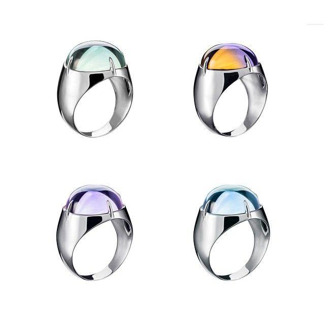 4 цвета леденцов: зеленый празиолит, двухцветный аметрин, сиреневый аметист и голубой топаз. А еще есть апельсиновый цитрин, прозрачный горный хрусталь и карий раух-топаз. Кажется, никого не забыла #jewelry #minimalism #nbryantseva
