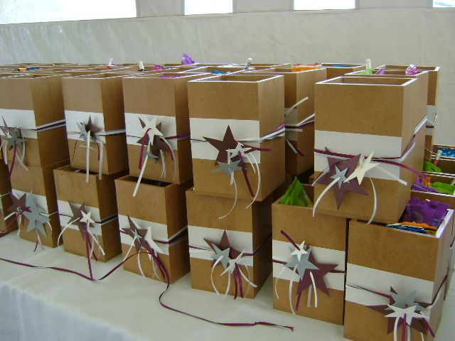 Recordatorios en cajas de madera de Primera Comunión. Diseños Marta Correa Blog: disenosmartacorrea.blogspot.com Celular: 321 643 63 84  Envigado Antioquia Colombia