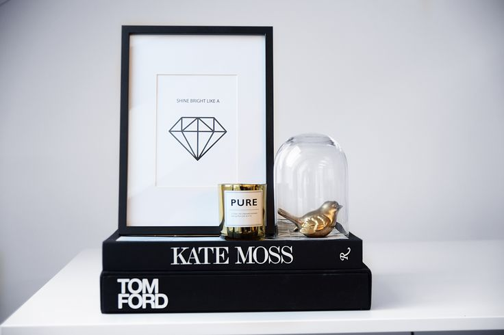 """Our poster """"Shine bright like a diamond"""" and books from Kate Moss and Tom Ford. Find more posters and art prints in our webshop www.desenio.se."""