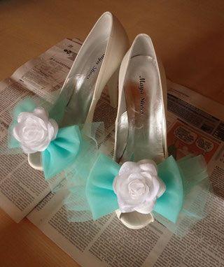 Matrimoni - Steff Decò Indecisa tra dipingere direttamente le scarpe, o applicare qualcosa in tinta...ho optato per questa soluzione. Che ho scelto anche per il paio di scape n2!