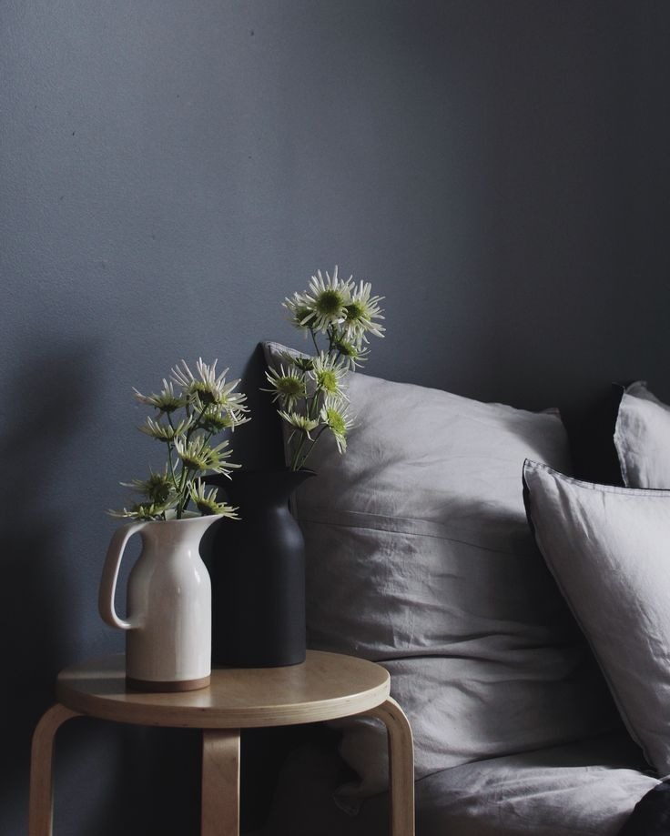 Moody and minimalistic style, featuring Royal Doulton's Barber and Osgerby Olio collection