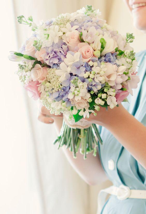 Buquê de noiva com hortênsias - Inspiração para o Inverno - Lemon Pin #casamento #noivas #flores #wedding