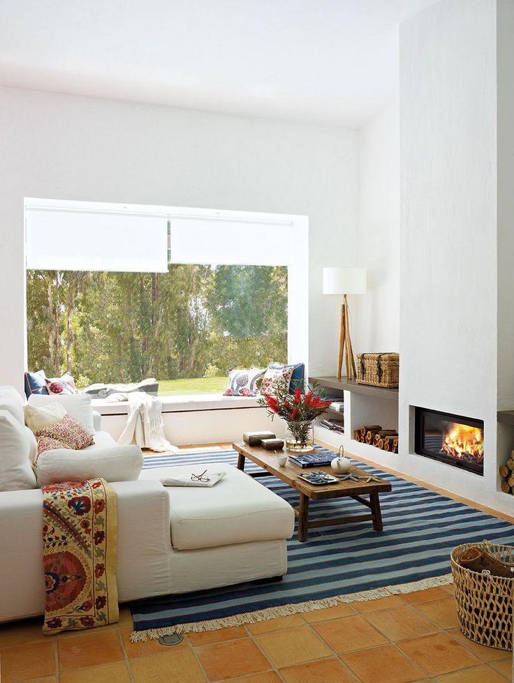 Una casa fresca de esencia andaluza · ElMueble.com · Casas - fresco, alegre, blanco, alfombra rayas