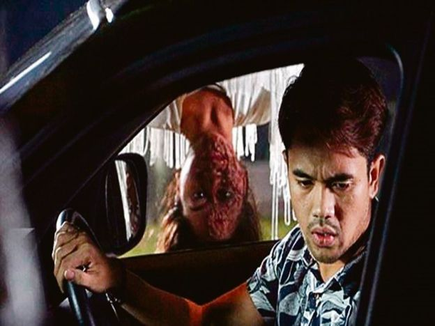 Kisah seram Hospital   PENONTON Malaysia sememangnya menggemari filem seram. Pelbagai filem dilambakkan di pawagam sama ada dari luar negara atau tempatan namun genre ini tetap mencuri perhatian penonton.  Justeru tidak hairanlah pasaran untuk filem seram sentiasa ada dan memenuhi pawagam sepanjang tahun termasuklah filem terbaru terbitan MIG Pictures Hospital yang mengetengahkan tema psiko seram.  Filem arahan Pengarah baru Mohd Azaromi Ghozali ini tampil dengan kejutan dan debaran apatah…