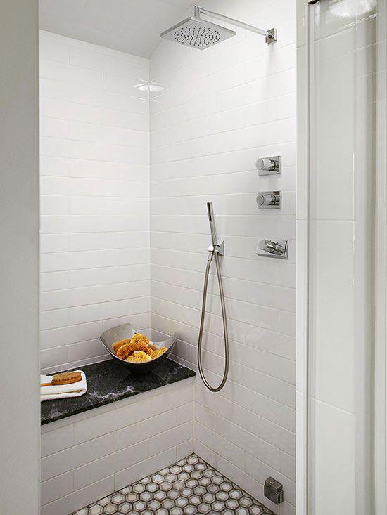 Banheiro pequeno. Invista em um chuveiro com mais recursos.