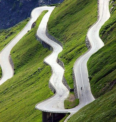 Furke Pass in Switzerland                                                                                                                                                                                 Más