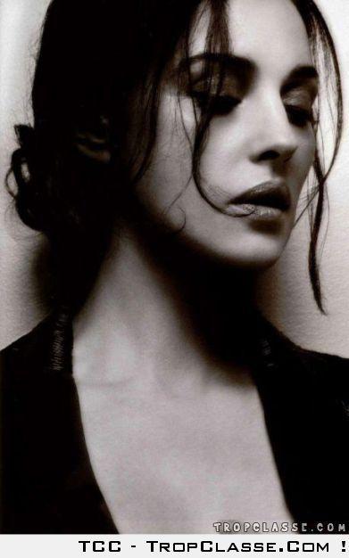 Monica Belucci en noir et blanc 21