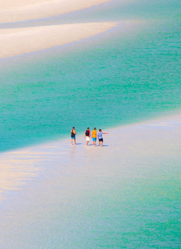 Australia's most beautiful beach - Whitehaven Beach in the Whitsunday Islands, Queensland