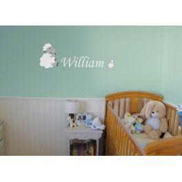 Adhésif mural personnalisé pour chambre d'enfant sous le thème des moutons.